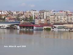 Stogodišnje vode (poplave), april 2006 god. Beograd - Novi Beograd, Savski kej, Staro sajmište. Floods, april 2006, Belgrade - New Belgrade, Savski kej, Staro sajmište.