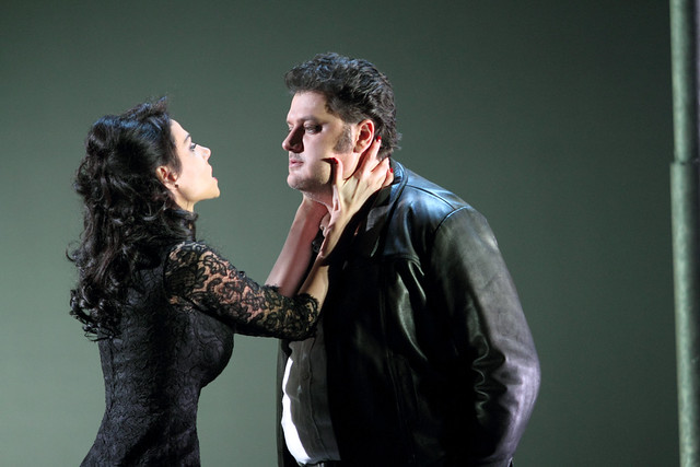 Martina Belli  as Lola and Aleksandrs Antonenko as Turridu in Cavalleria rusticana © 2015 ROH. Photograph by Catherine Ashmore