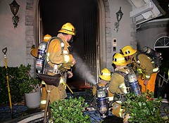 LAFD Battles Residential Conflagration in Mount Washington