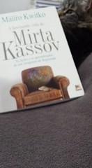 O que será que o gato tá fazendo com o livro do Mauro Kwitko? Para comprar este livro acessa maurokwitko.com.br