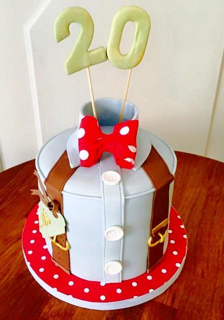 Cake by Mami Lou Cupcake y El Tilo de Mami Lou