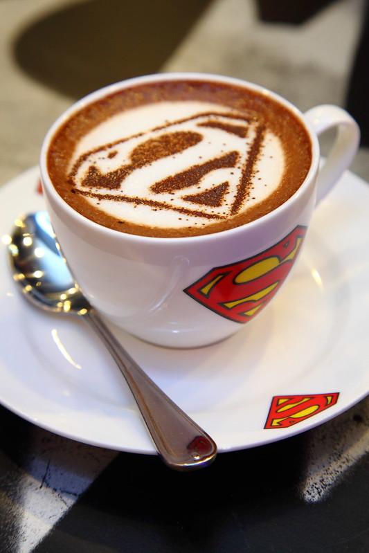 super-heroes-cafe