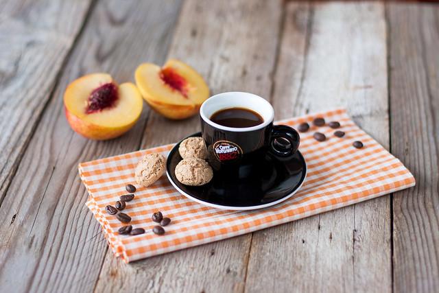 pesche al forno al profumo di caffè