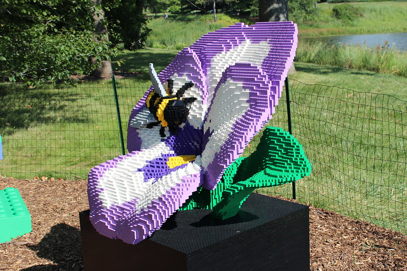 Violet Pansy and Bee: 29,314 LEGO bricks and 240 build hours