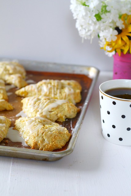 peach pie scones