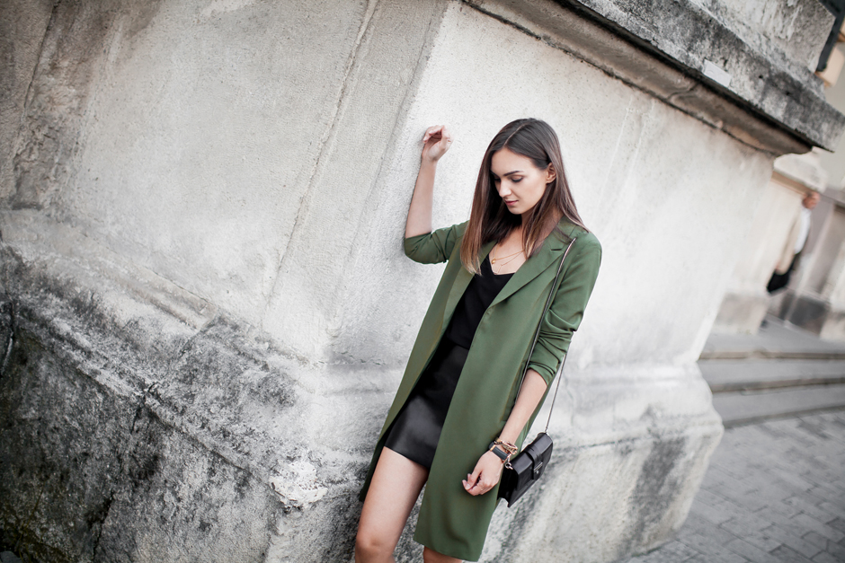 how-to-wear-khaki-green-outfit-ideas