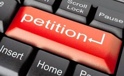 Хто пише петиції президенту?