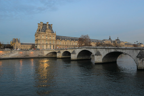 Musée du Louvre and Pont Royal