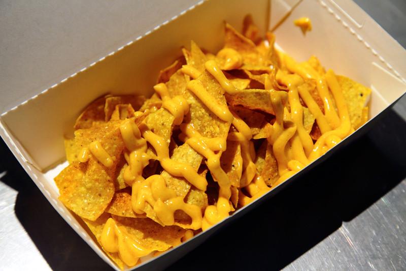 Cheese-Nachos
