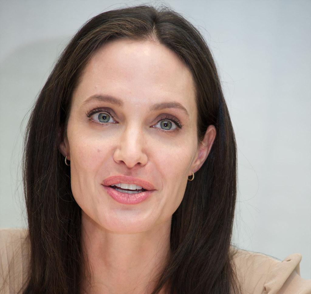 Анджелина Джоли — Пресс-конференция «Лазурный берег» 2015 – 16