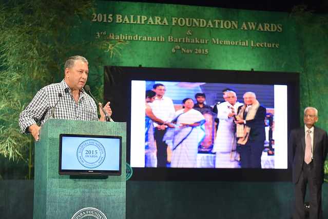 Ranjit Barthakur, Founder Trustee, Balipara Foundation, delivering the Vote of Thanks during 2015 BFA