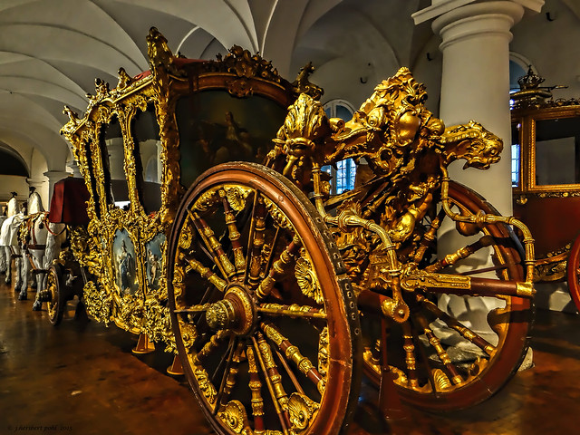 Schloss Nymphenburg, Krönungswagen Kaiser Karls VII im Marstallmuseum, Nymphenburg -- Coronation Coach of the Emperor Charles VII