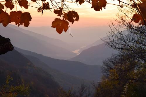 autumn sunset sunlight mountain nature landscape sundown dusk horizon autumnleaves autumncolors macedonia sunsetlight goldenhour bistra horison galichnik