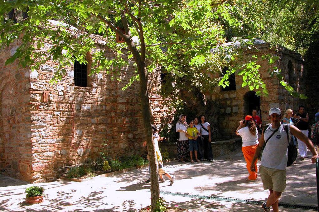 Casa de la Virgen María en Turquía casa de la virgen maría en Éfeso, turquía - 23865401991 73921f25b2 b - Casa de la Virgen María en Éfeso, Turquía