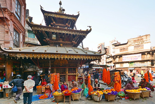 Nepal - Kathmandu - Streetlife WithTemple - 114