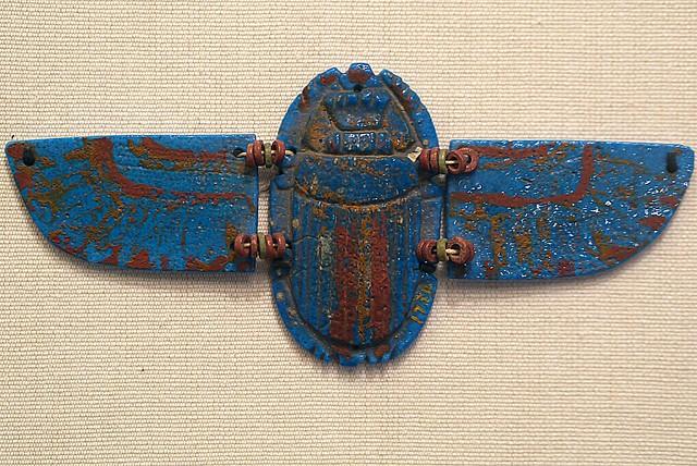 Amulet: Winged Scarab, Panasonic DMC-G3, OLYMPUS M.45mm F1.8