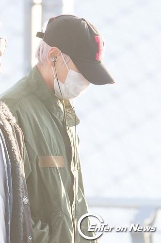 BIGBANG departure Seoul to Nagoya 2016-12-02 (80)