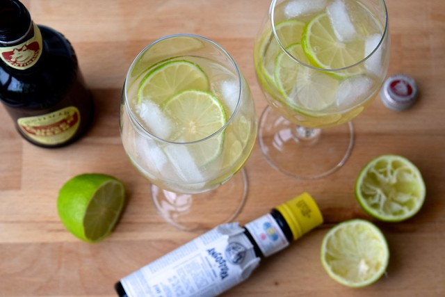 How To Make Moscow Mules | www.rachelphipps.com @rachelphipps
