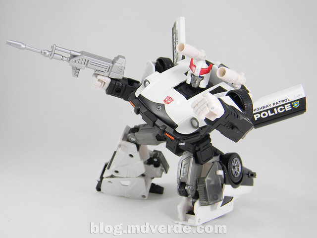 Transformers Prowl Masterpiece - modo robot