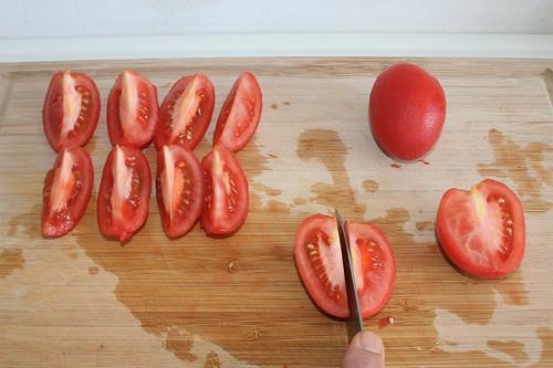 18 - Tomaten vierteln / Quarter tomatoes