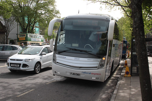 Yellow Buses VCL333 FJ61EWD National Express