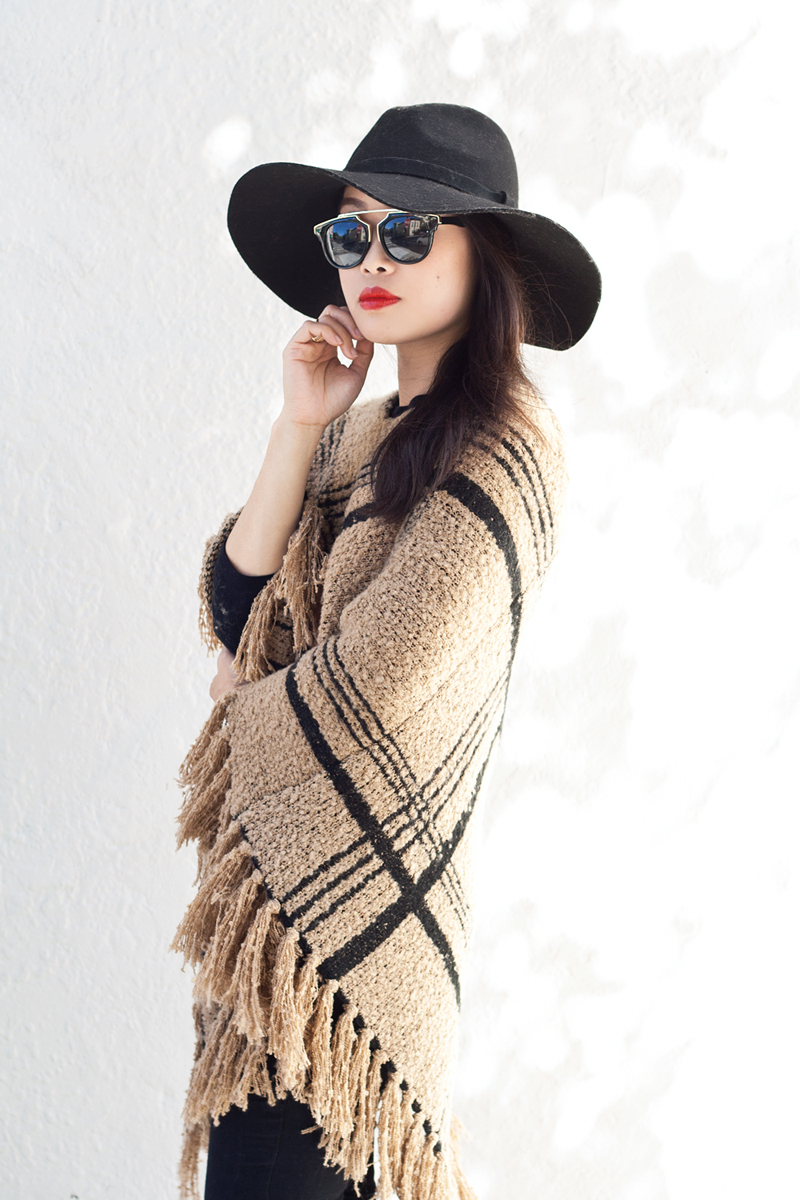 07-plaid-knit-fringe-poncho-hat-sf-fashion-style