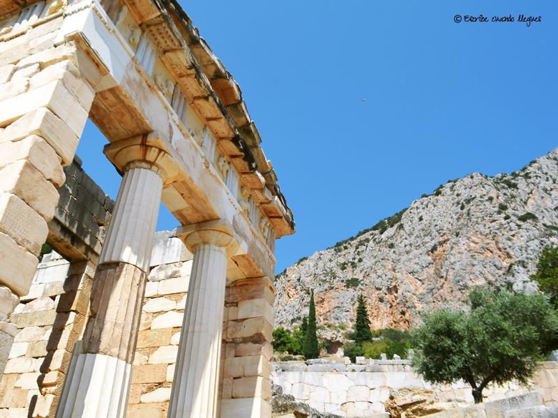 Uno de los Tesoros o templetes donde se guardaban las ofrendas para el oráculo de Delfos