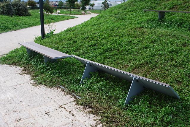 Rutigliano-Al parco nessuno 'si fa' l'erba (1)