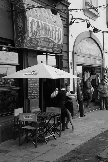 Street Tango Dancers