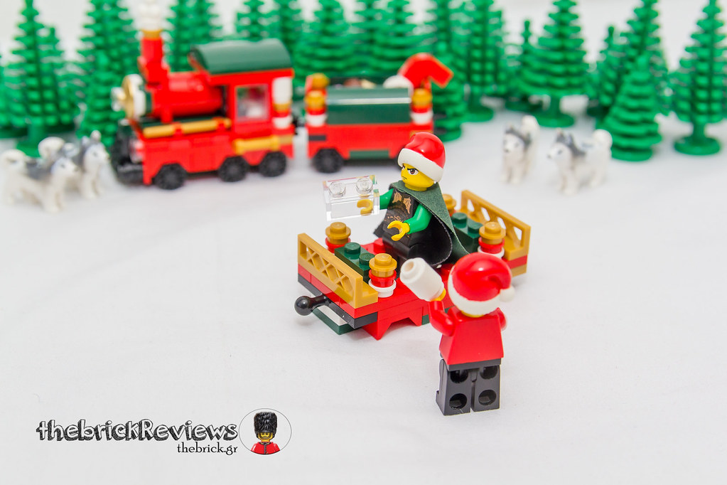 ThebrickReview: Christmas Train - 40138 - Limited Edition 2015 23636623571_bb738225fc_b