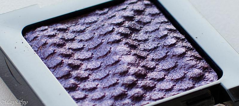 catrice-liquid-metal-050-we-re-the-inner-purple-7485