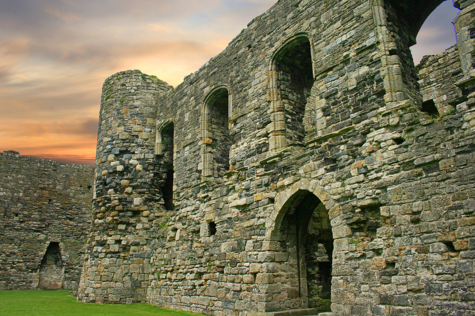 Beaumaris Castle. Credit Christopher Keslar, flickr