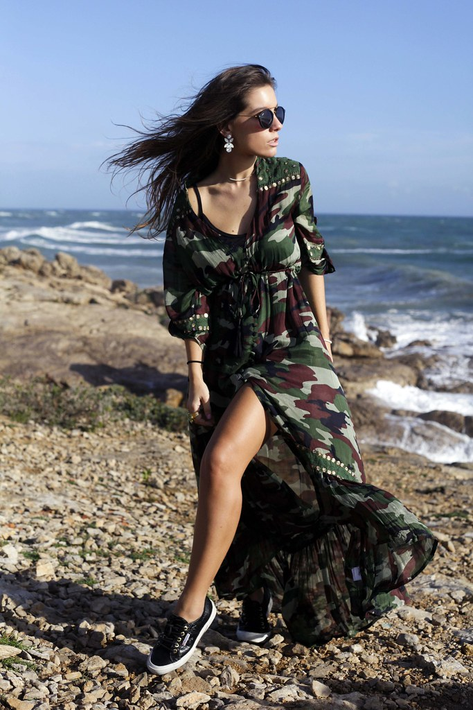 02_camo_dress_with_ruga_cardigan