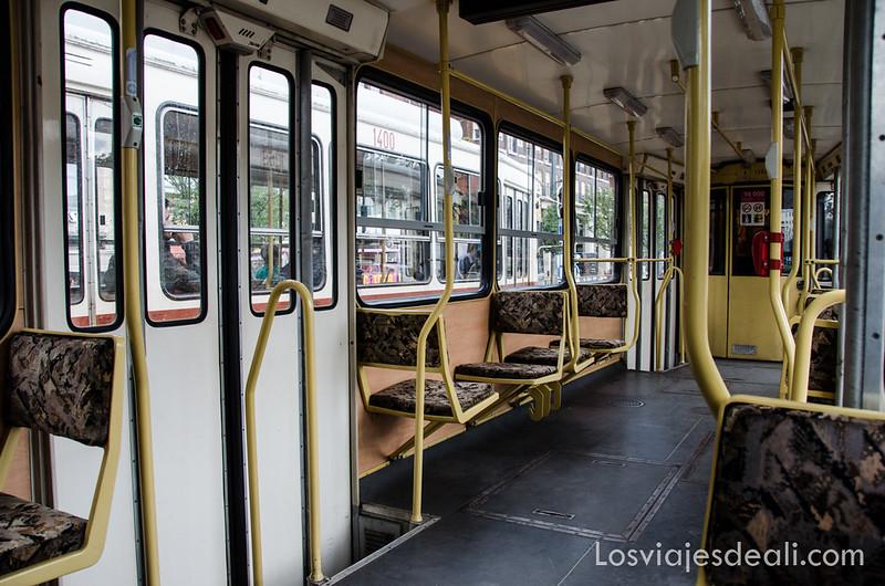 cómo moverse por Budapest tranvía
