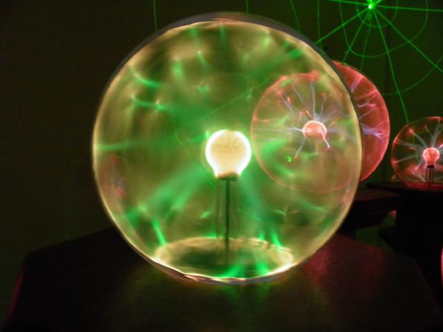 Зеленый шар Тесла