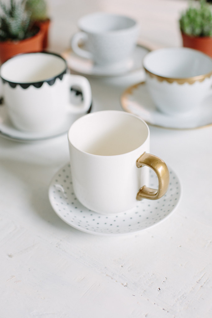 Diy hand painted tea cups a pair a spare pin it fandeluxe Epub