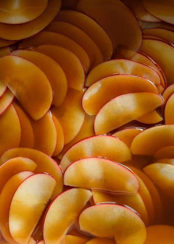 Caramel Apple Crumble Bars via forkknifeswoon.com