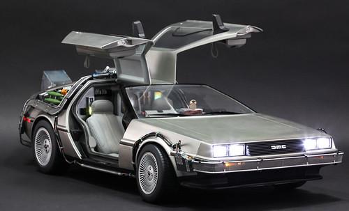 Back to the Future - The DeLorean - Photo 2
