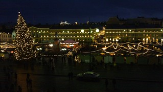 Senaatintori's Christmas market view from the cathedral