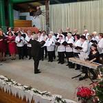 Der Chor der Banater Schwaben Karlsruhe dirigiert von Hannelore Slavik mit den Solistinnen Irmgard und Melitta