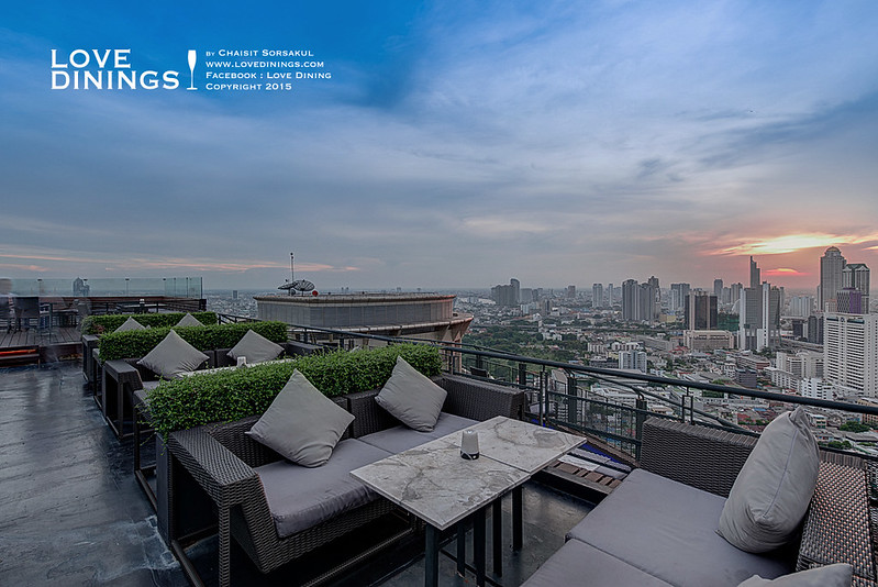 Zoom at Sathorn Sky Bar & Restaurant Rooftop Bar Bangkok รูฟท็อปกรุงเทพ_03