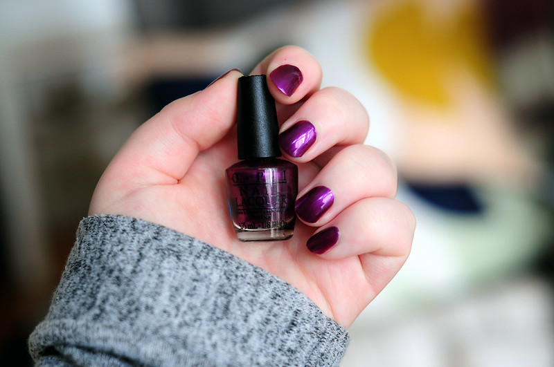 notd-opi-suzi-and-the-seven-dussledorfs-nail-polish-rottenotter-rotten-otter-blog