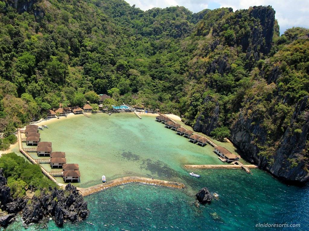 02-lagen-island-resort-aerial-view