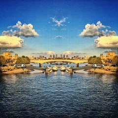 The #thames #paralleluniverse #london #southbank #bridge