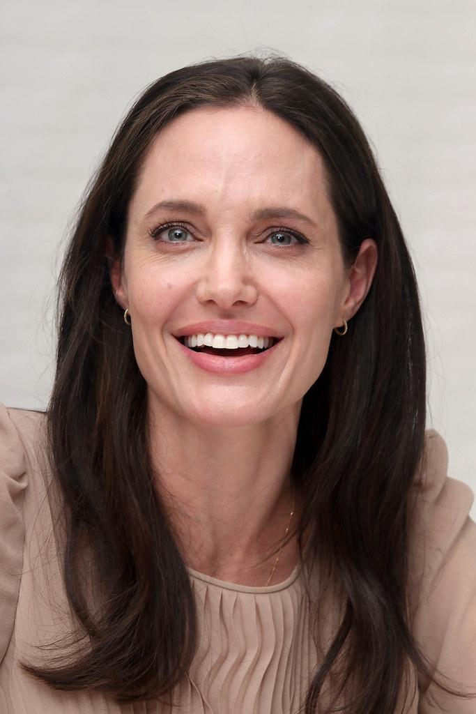 Анджелина Джоли — Пресс-конференция «Лазурный берег» 2015 – 65