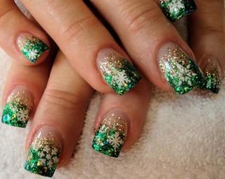 nails-snowflake