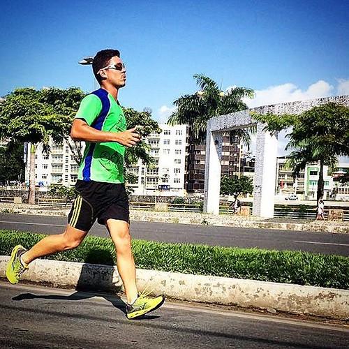 Voltei, graça a Deus. Depois de cinco meses estou a correr, a corrida não é prioridade em minha vida e nem será; mas enquanto eu viver eu quero correr. #run #runner #sport #corrida #corredor #itabuna #bahia #brasil #aia #esporte