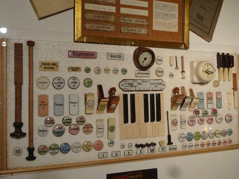 Le muséee suisse de l'orgue (en Suisse)  21132403852_da2b3bc0e0_c