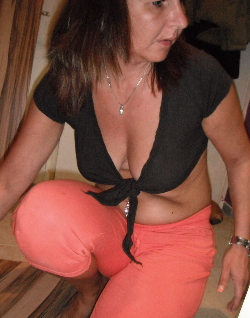 Sexy Mom Photos 22