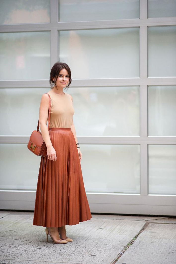 pleated skirts midi streetstyle outfit inspiration10